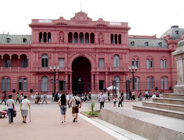 The pink color of the Casa Rosada, photo by hiabba/Flickr