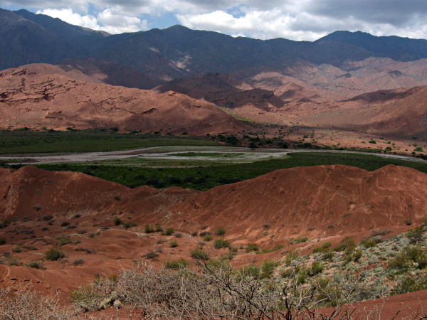 Desert river, Calchaquí Valley en.wikipedia.org