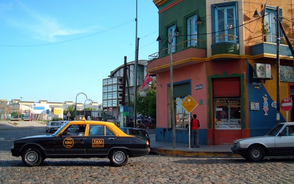 Buenos Aires taxicab Diego3336/Flickr